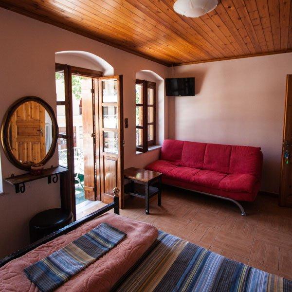 Επιλέξτε τον παραδοσιακό μας ξενώνα Mistras Inn για τη διαμονή σας στο Μυστρά